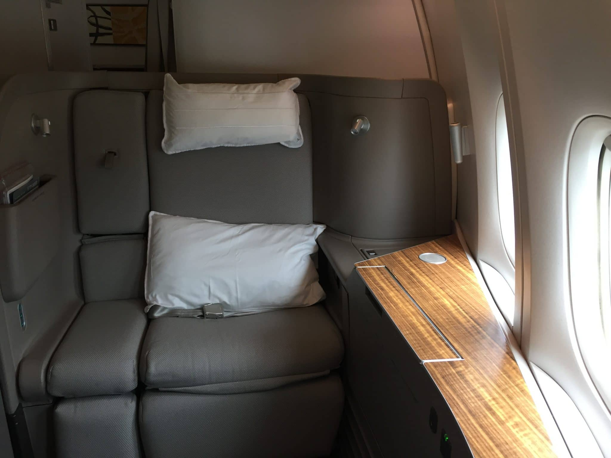 Review: Cathay Pacific First Class 777 HKG - HND ...