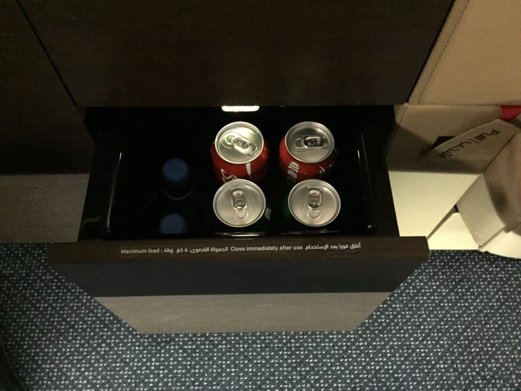Minibar im Etihad First Class Apartment