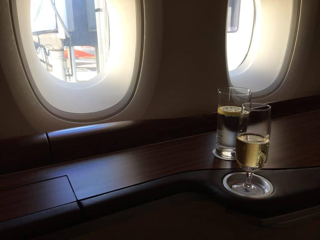 Singapore Airlines Suite Ablage und Fenster