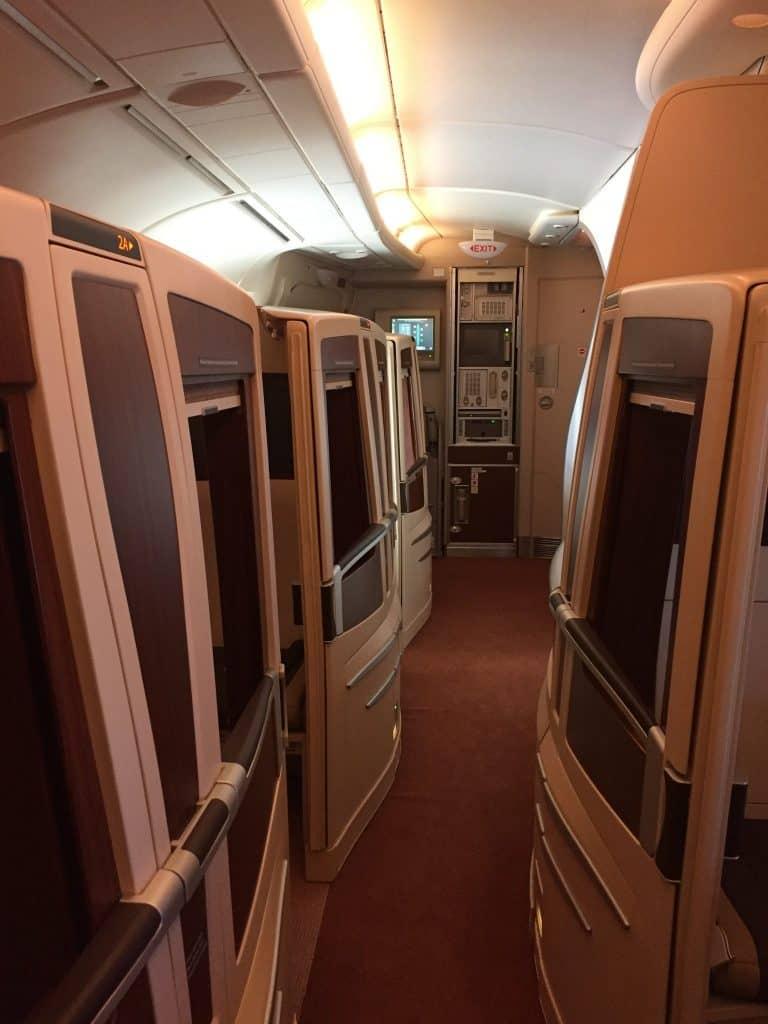 Singapore Airlines Suites Class Kabine - Blick nach vorne