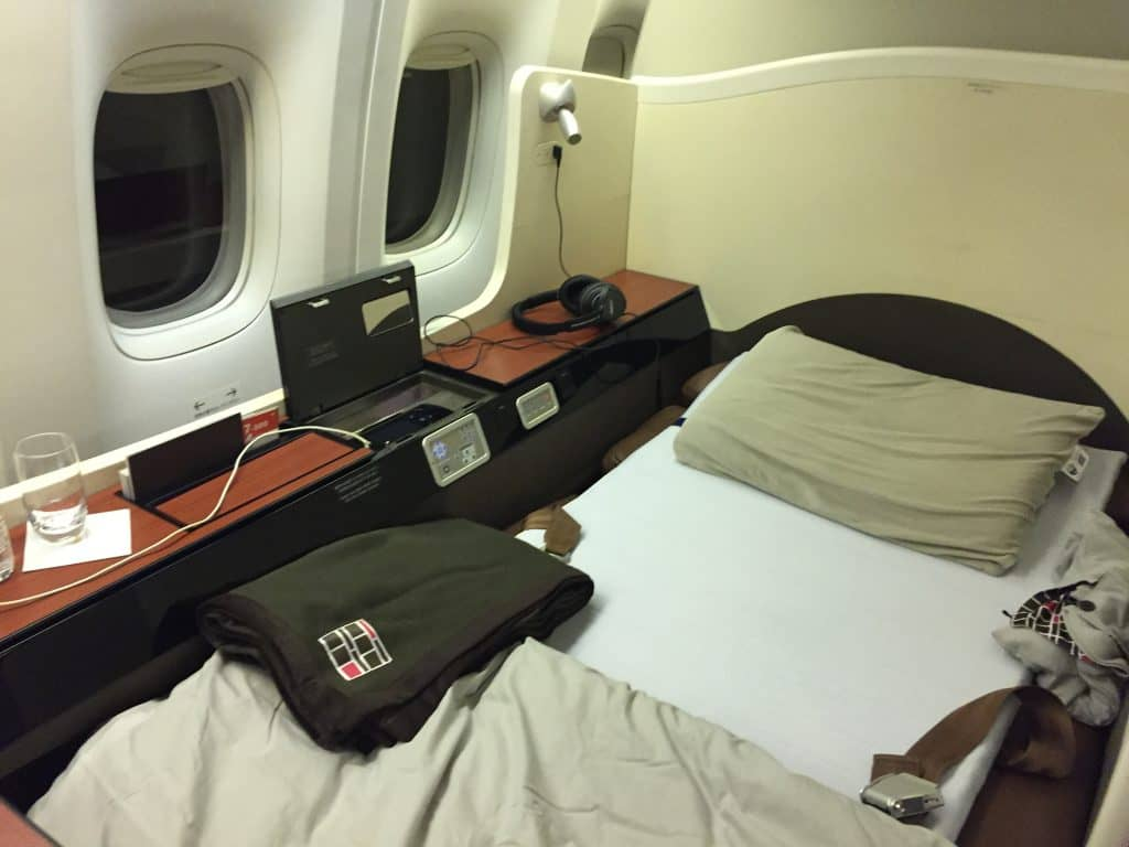 Japan Airlines First Class Bett