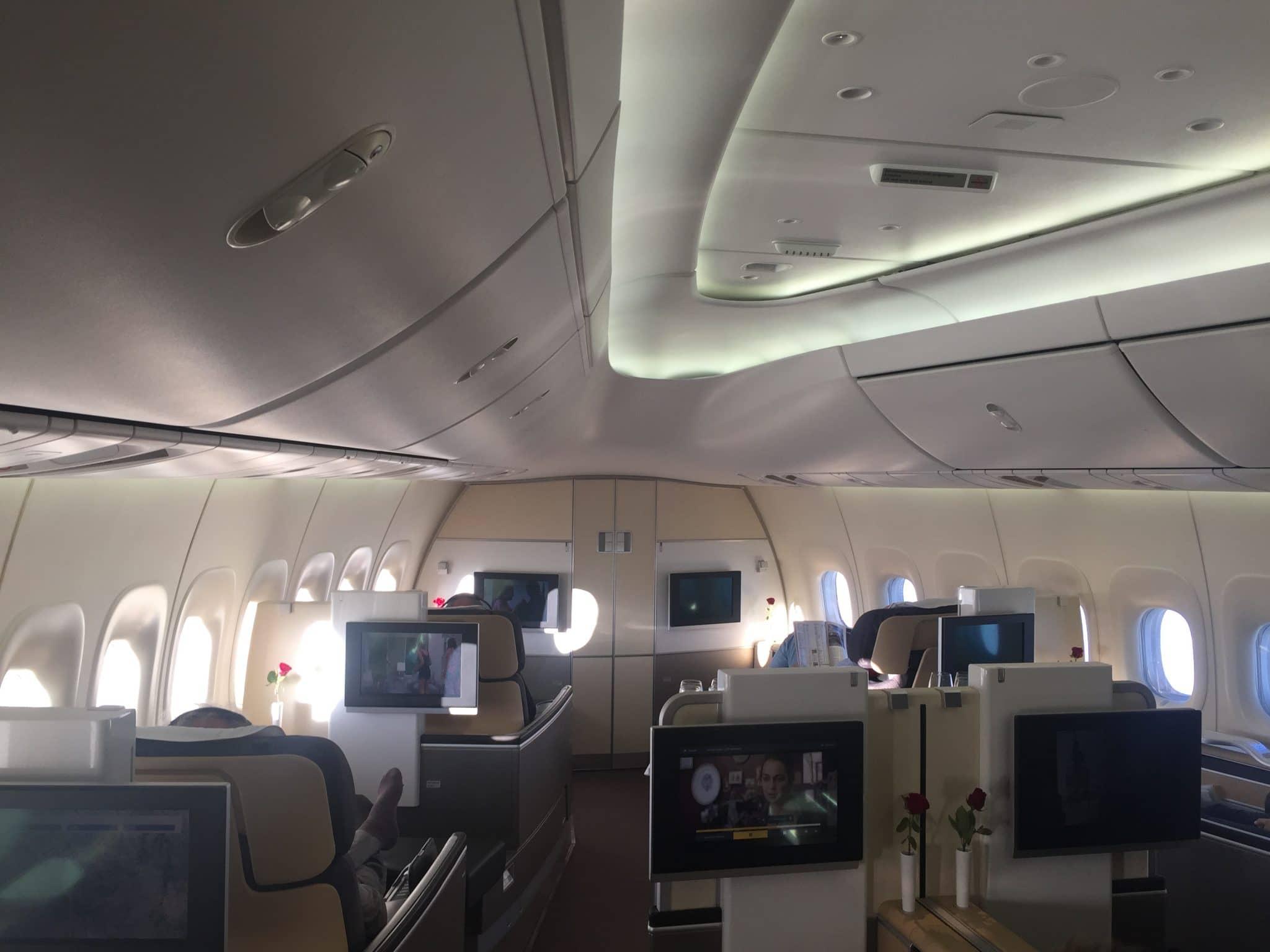 Lufthansa_First_Class_Boeing_747-8_Kabine_1