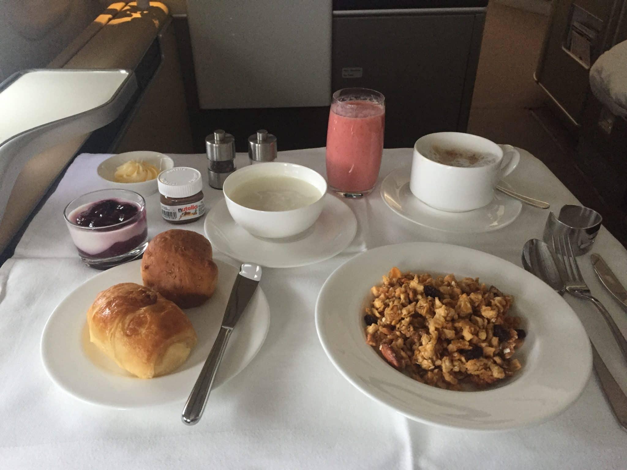 Lufthansa First Class Frühstück