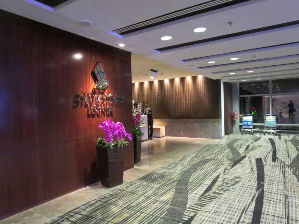 Die Singapore Airlines SilverKris Business Class Lounge Singapur (T3)