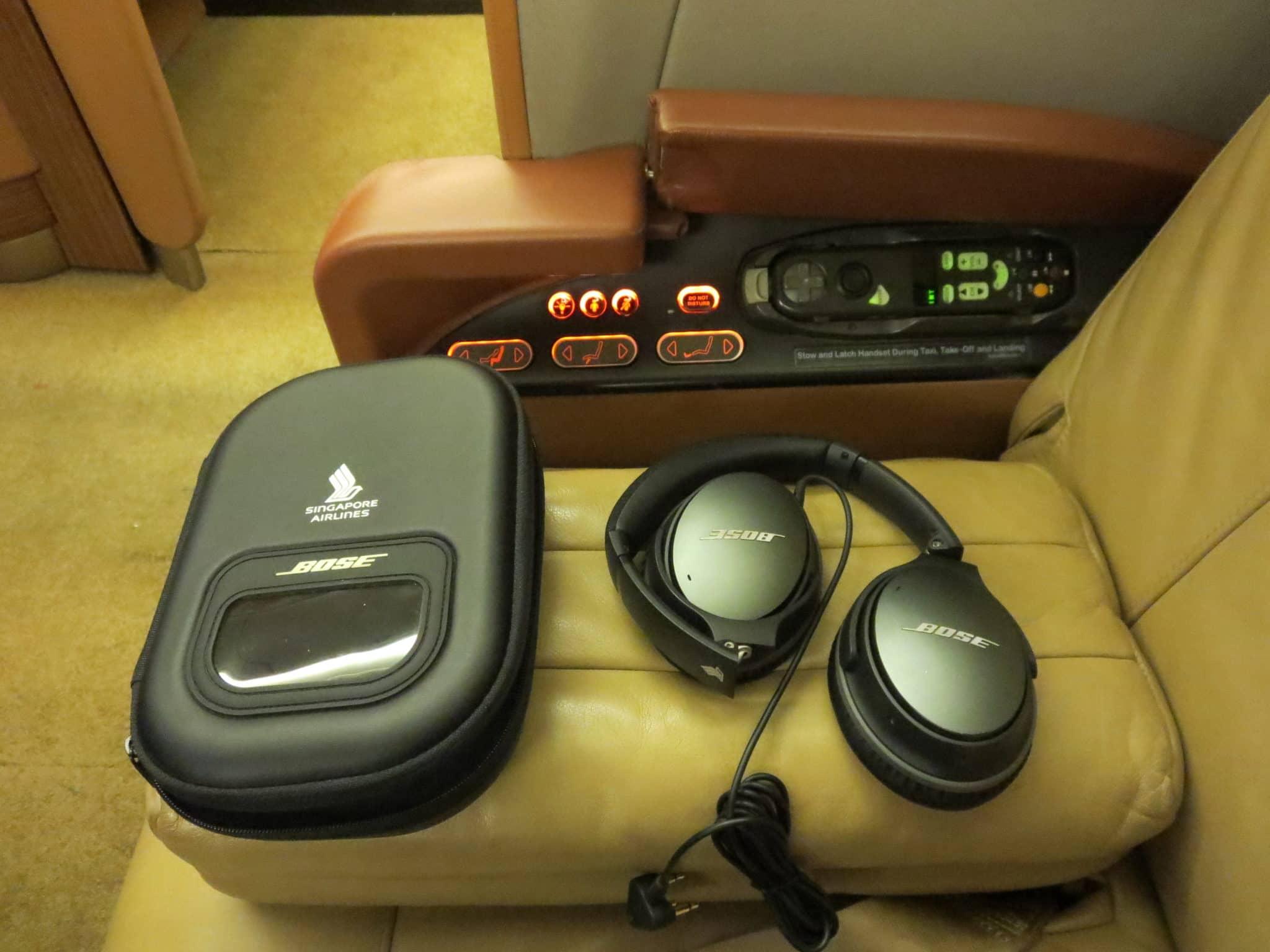Singapore Airlines First Class Kopfhörer