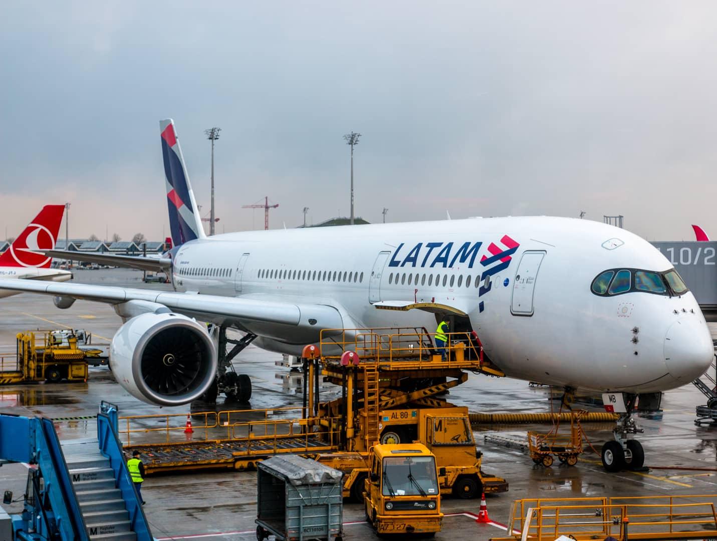 LATAM Airlines A350-900 XWB