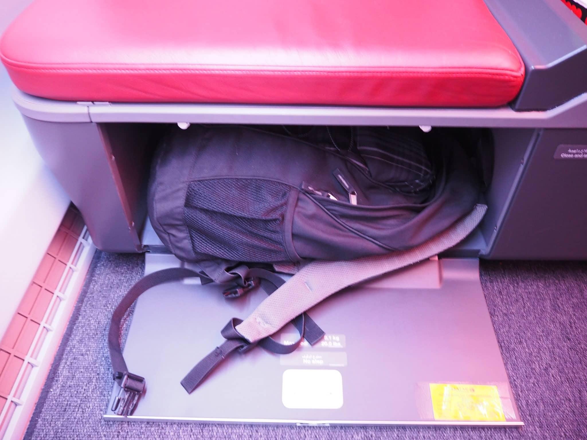 Staumöglichkeiten an Bord des LATAM Business Class A350-900 XWB