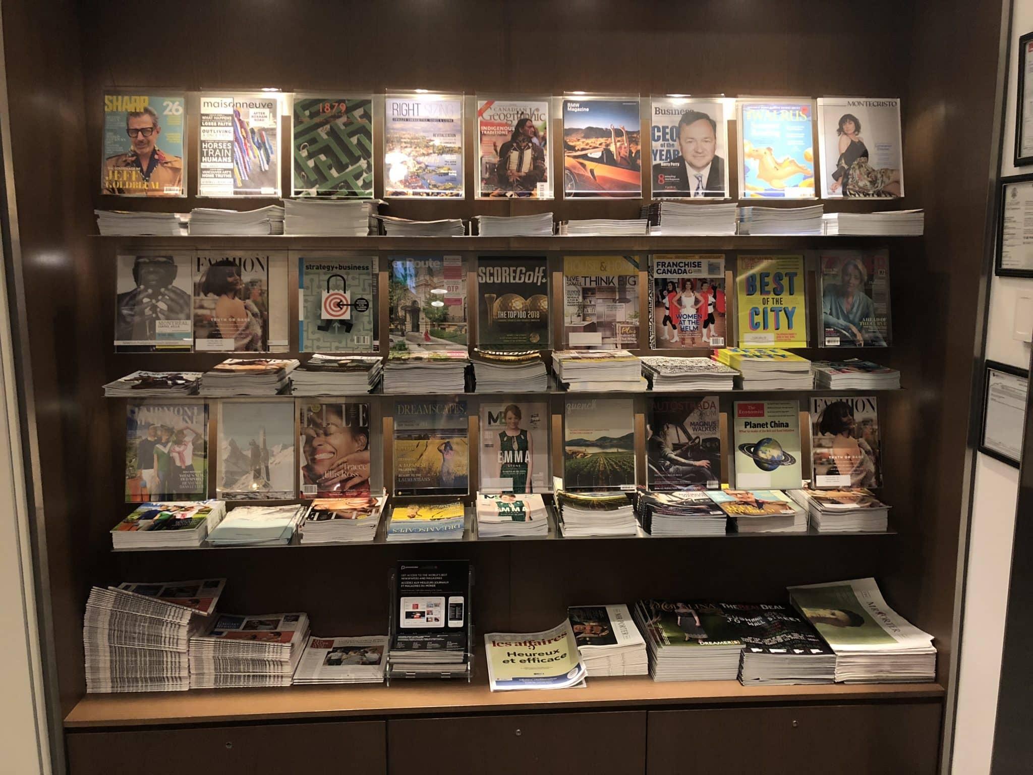 Air Canada Maple Leaf Lounge Calgary Auswahl Zeitschriften
