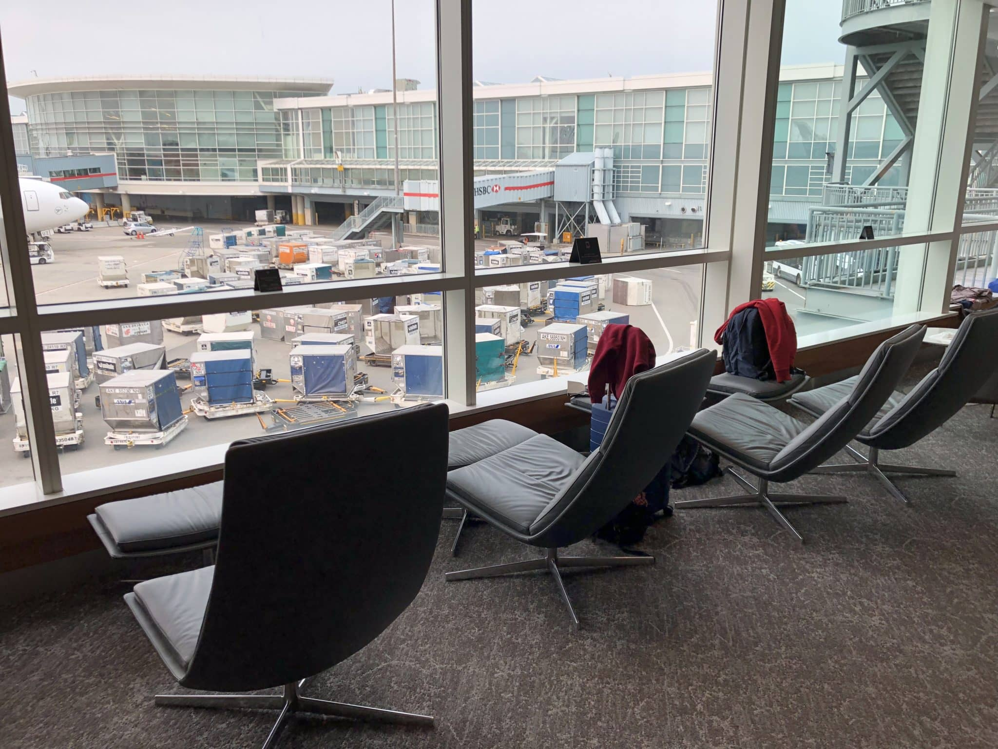 Air Canada Maple Leaf Lounge Vancouver Liegesessel