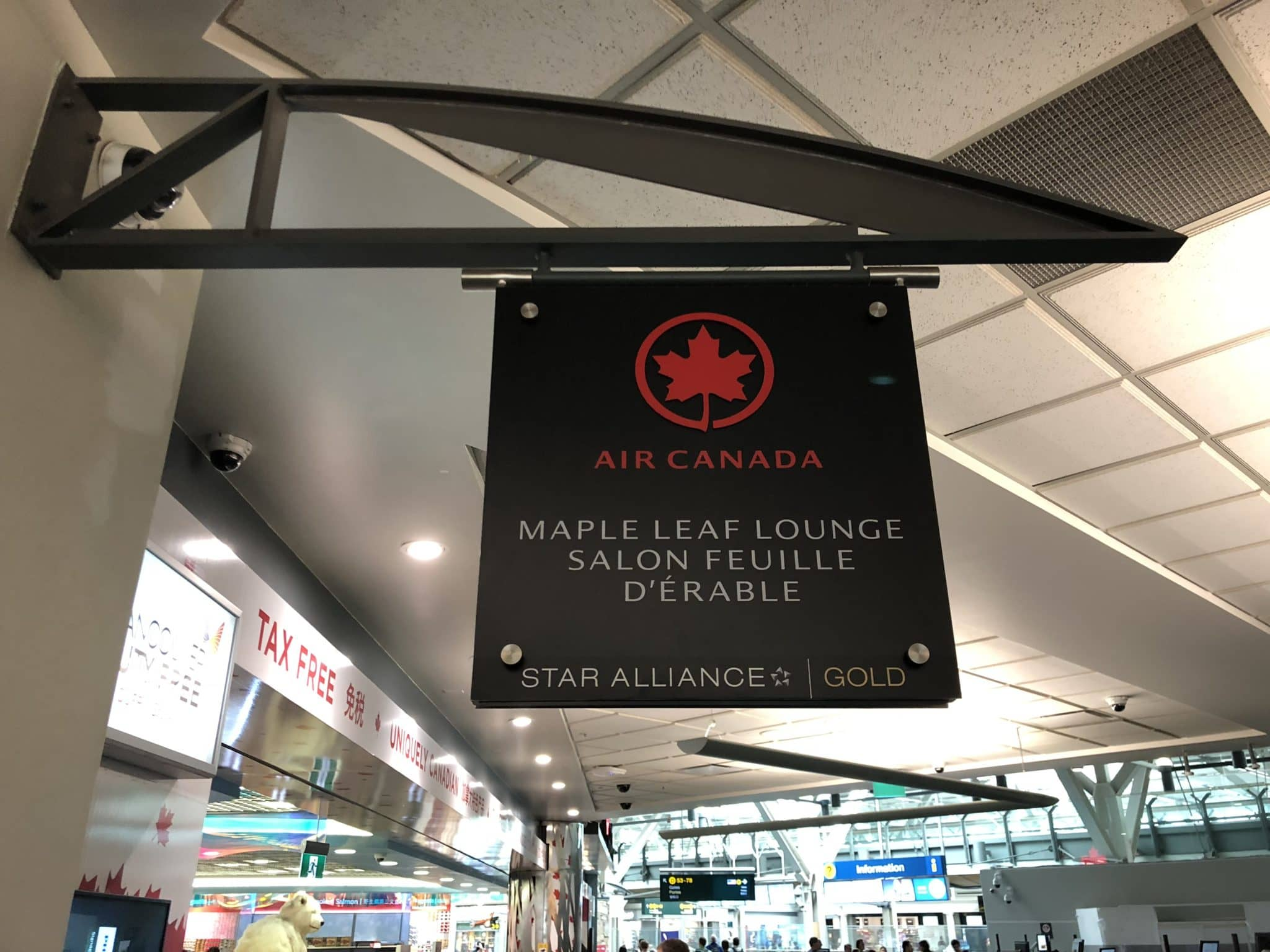Air Canada Maple Leaf Lounge Vancouver Schild