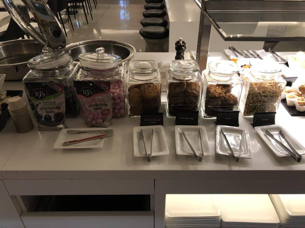 Air New Zealand Brisbane International Lounge Cookies Snacks