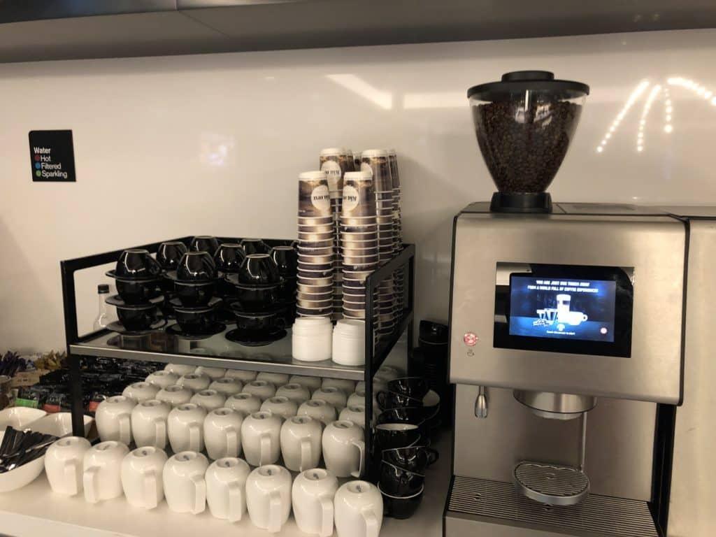 Air New Zealand Brisbane International Lounge Kaffeemaschine