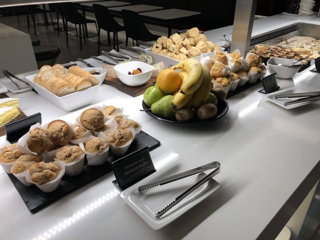 Air New Zealand Brisbane International Lounge Muffins Obst
