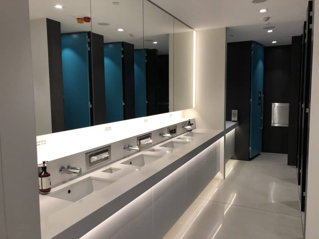 Air New Zealand Brisbane International Lounge Toiletten