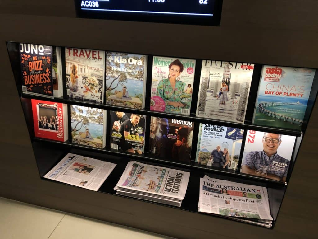 Air New Zealand Brisbane International Lounge Zeitschriften Zeitungen