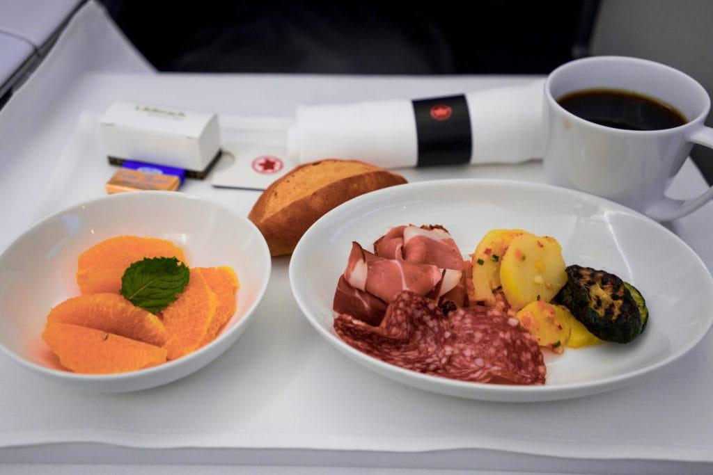 AirCanada Business Class Boeing 777 leichte Mahlzeit
