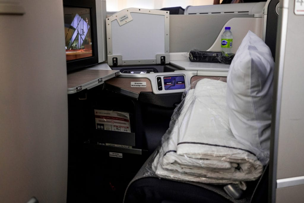 AirCanada Business Class Boeing 777 Seitenansicht Sitz