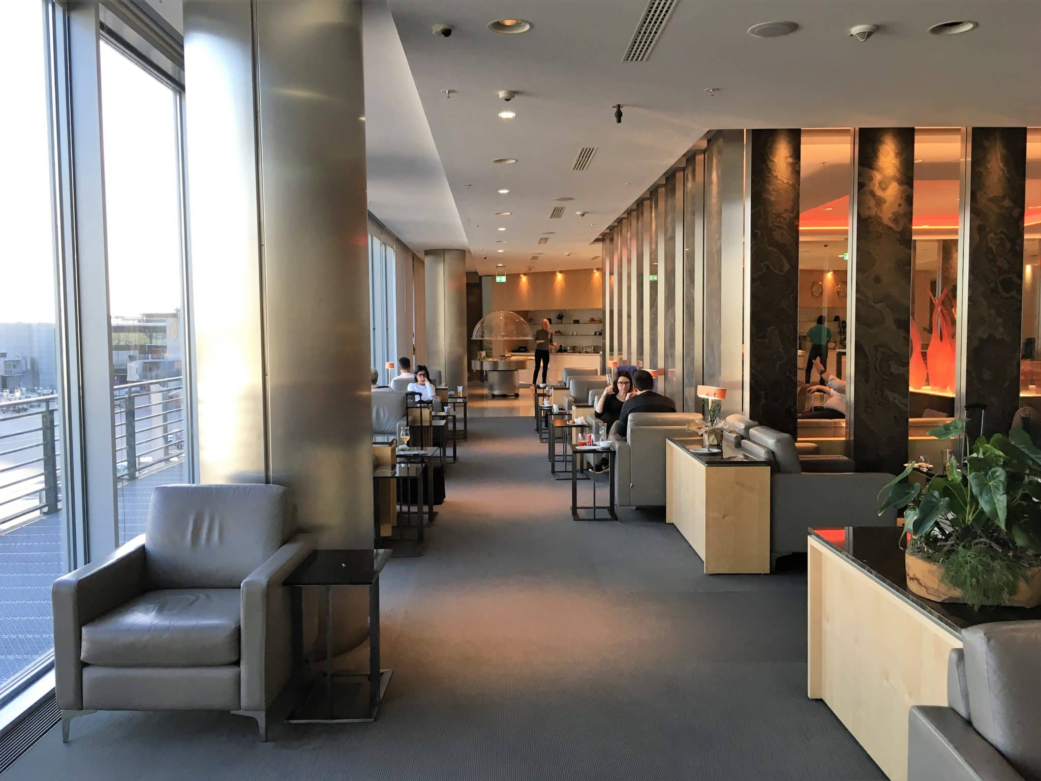 Air Canada Maple Leaf Lounge Frankfurt Fensterfront