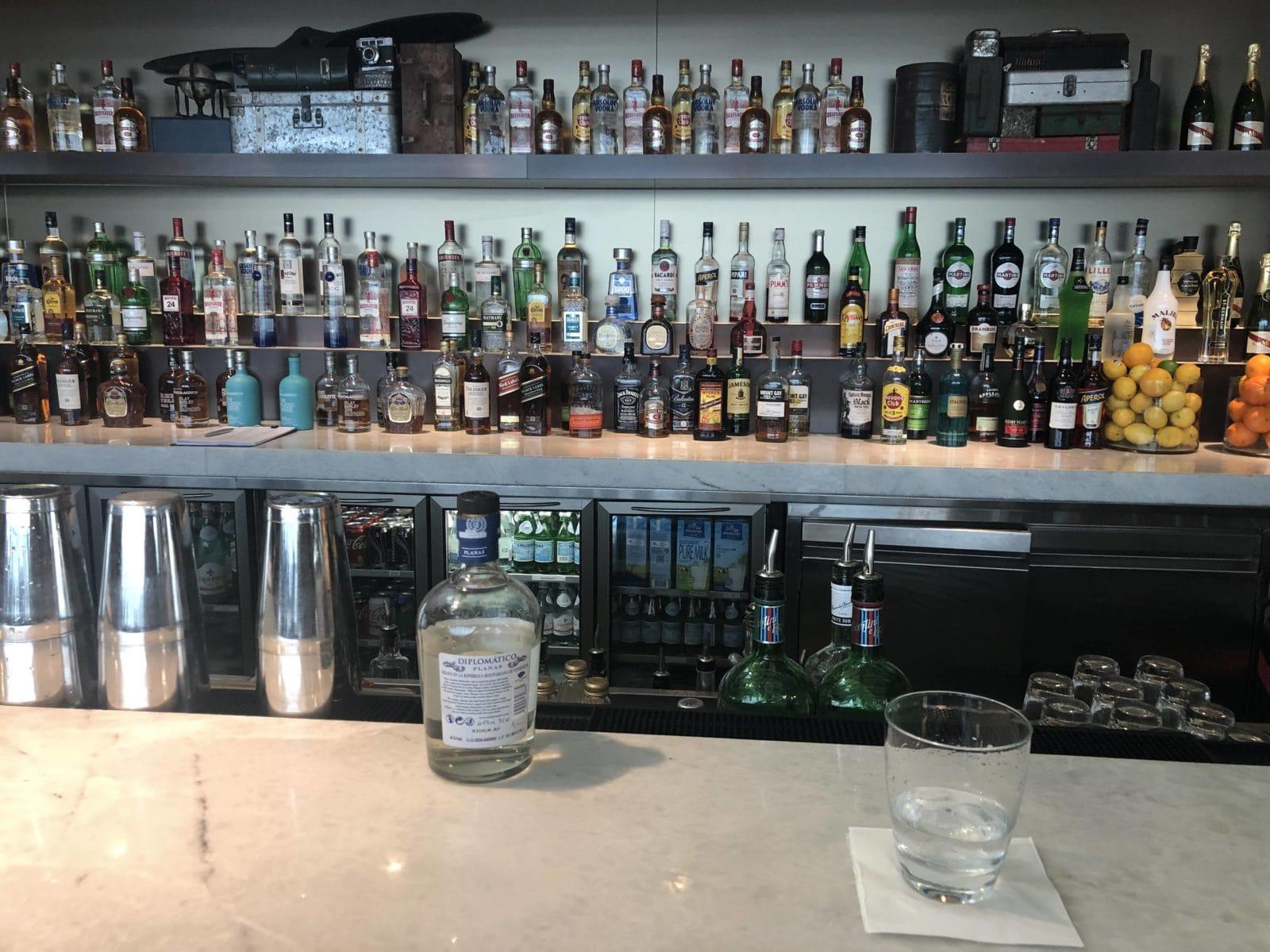 American Express Centurion Lounge Hong Kong Getraenke Bar
