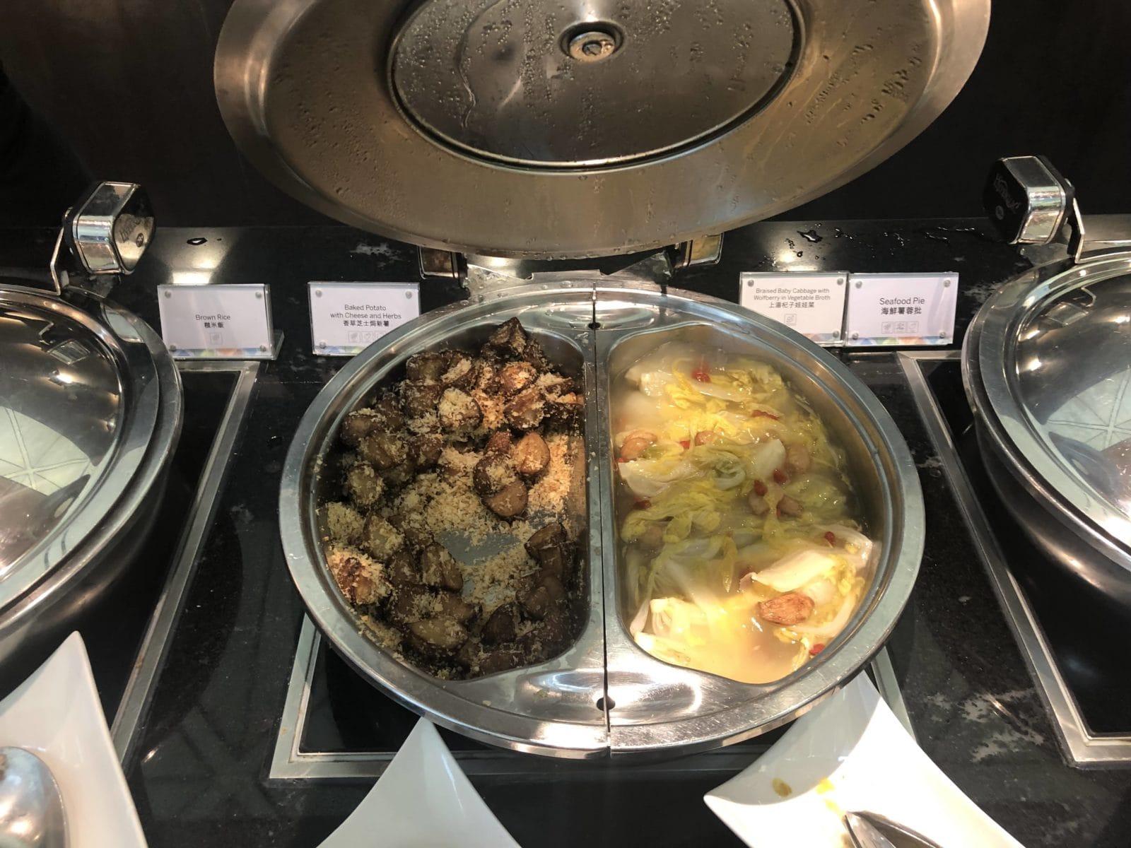 American Express Centurion Lounge Hong Kong Kohl Kartoffeln