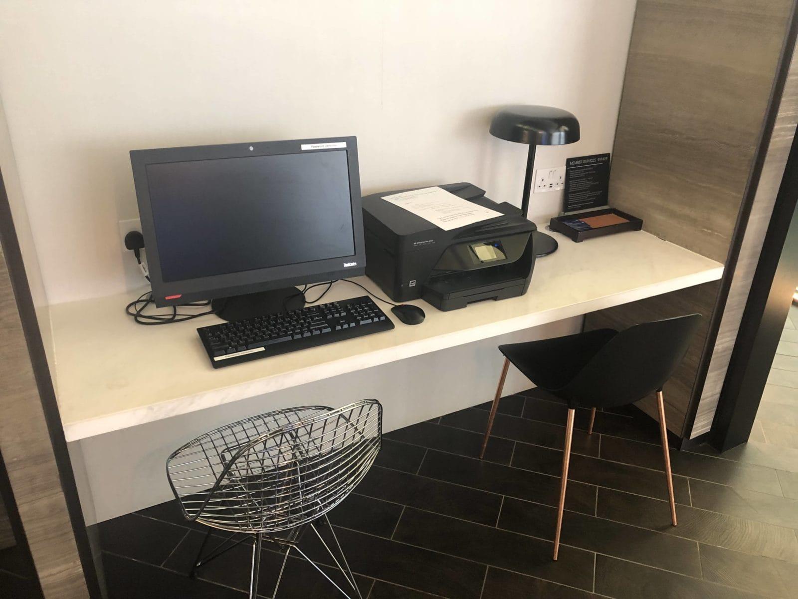 American Express Centurion Lounge Hong Kong Arbeitsplatz