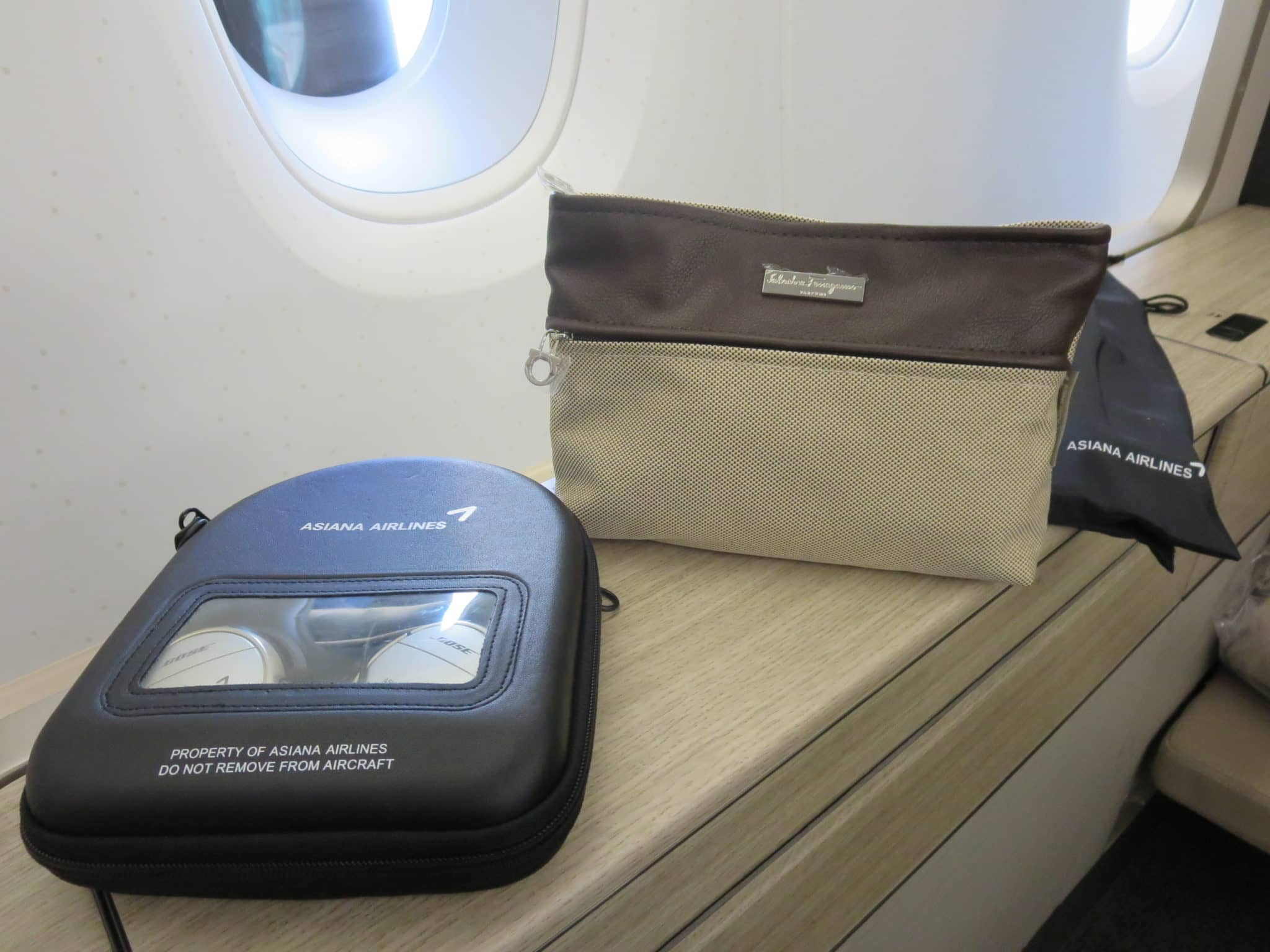 Asiana First Class A380 Amenity Kit
