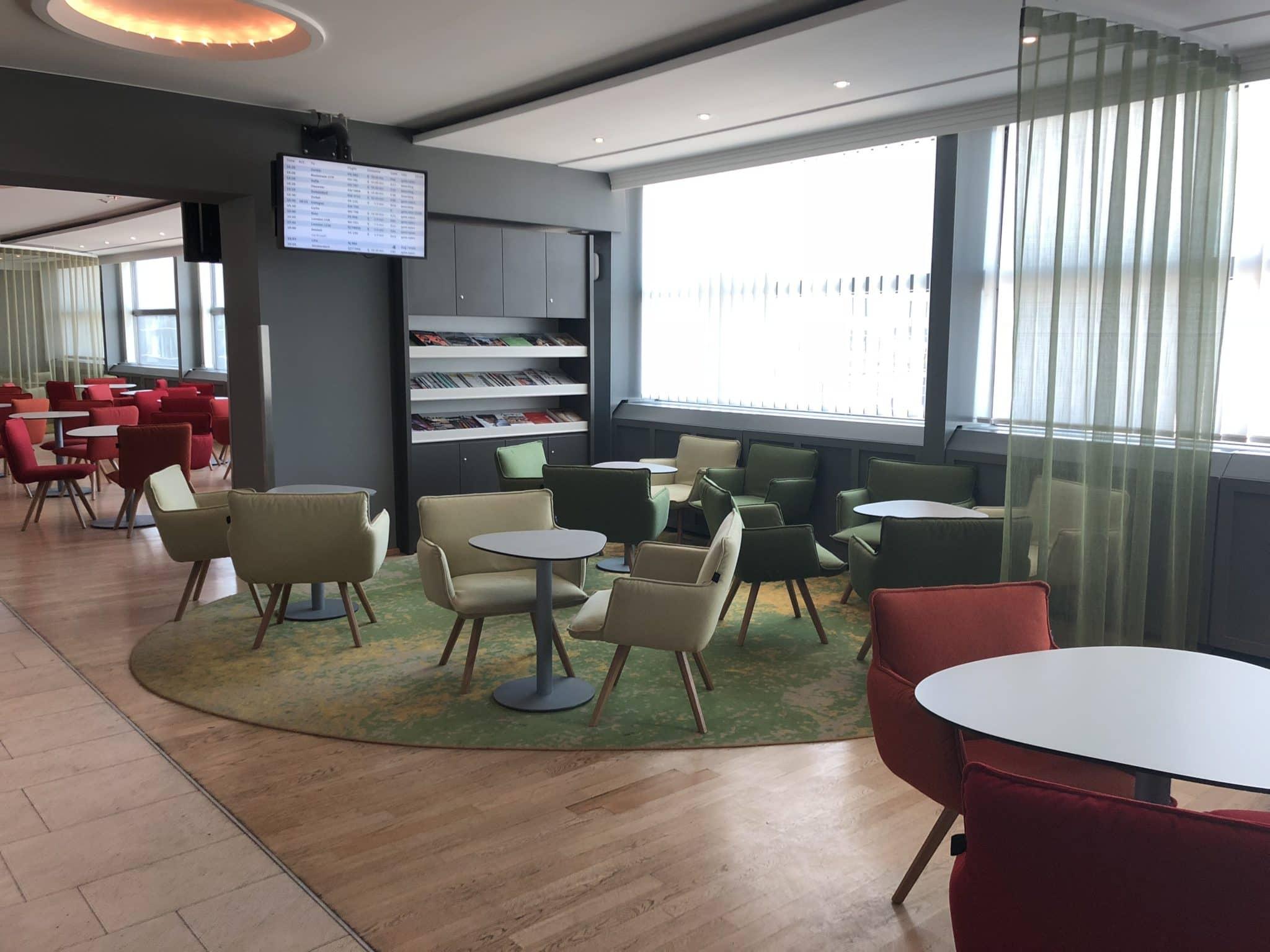 Austrian Airlines Business Class Lounge Wien Terminal D Buffet Bereich