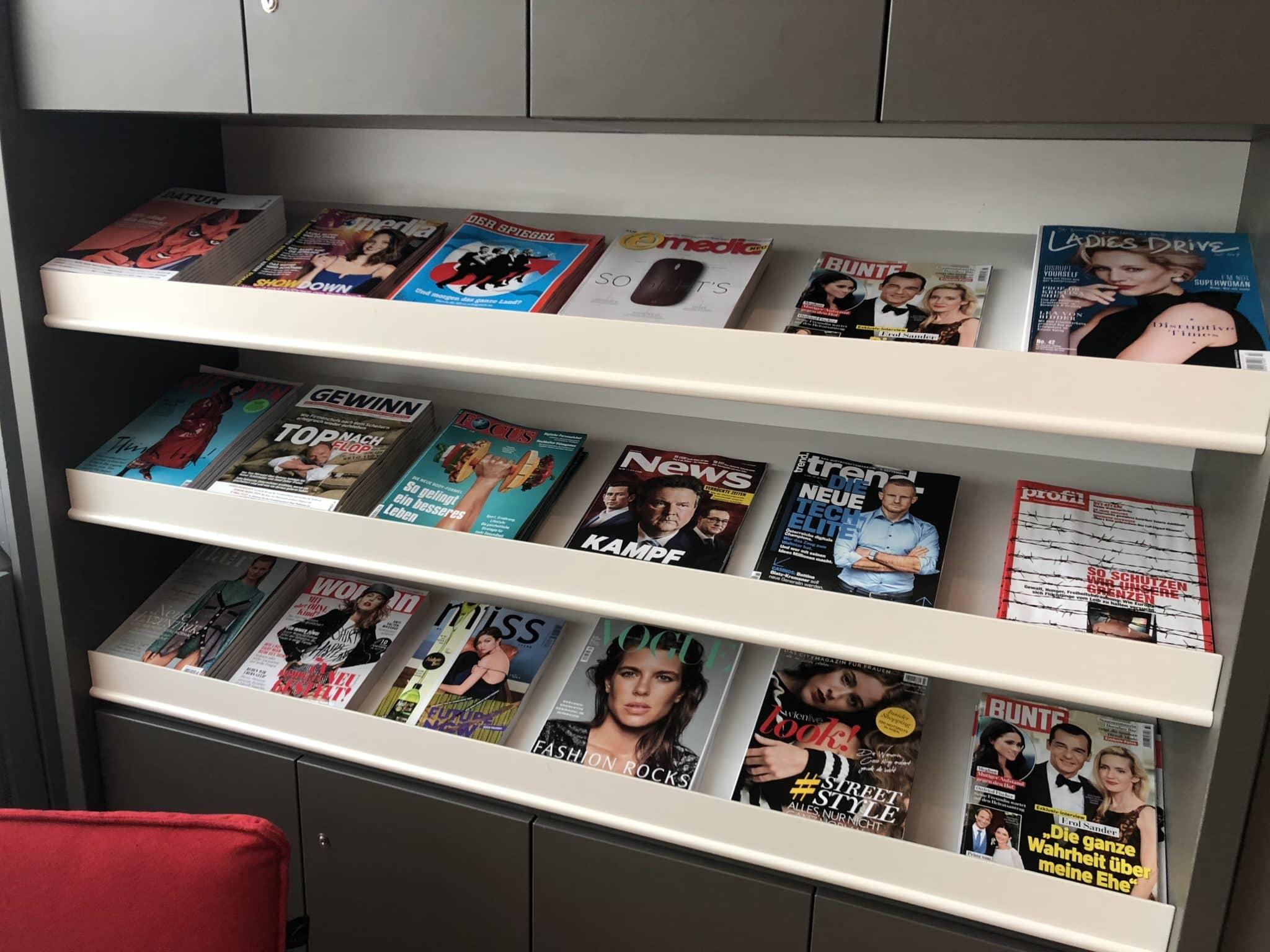Austrian Airlines Business Class Lounge Wien Terminal D Zeitschriften
