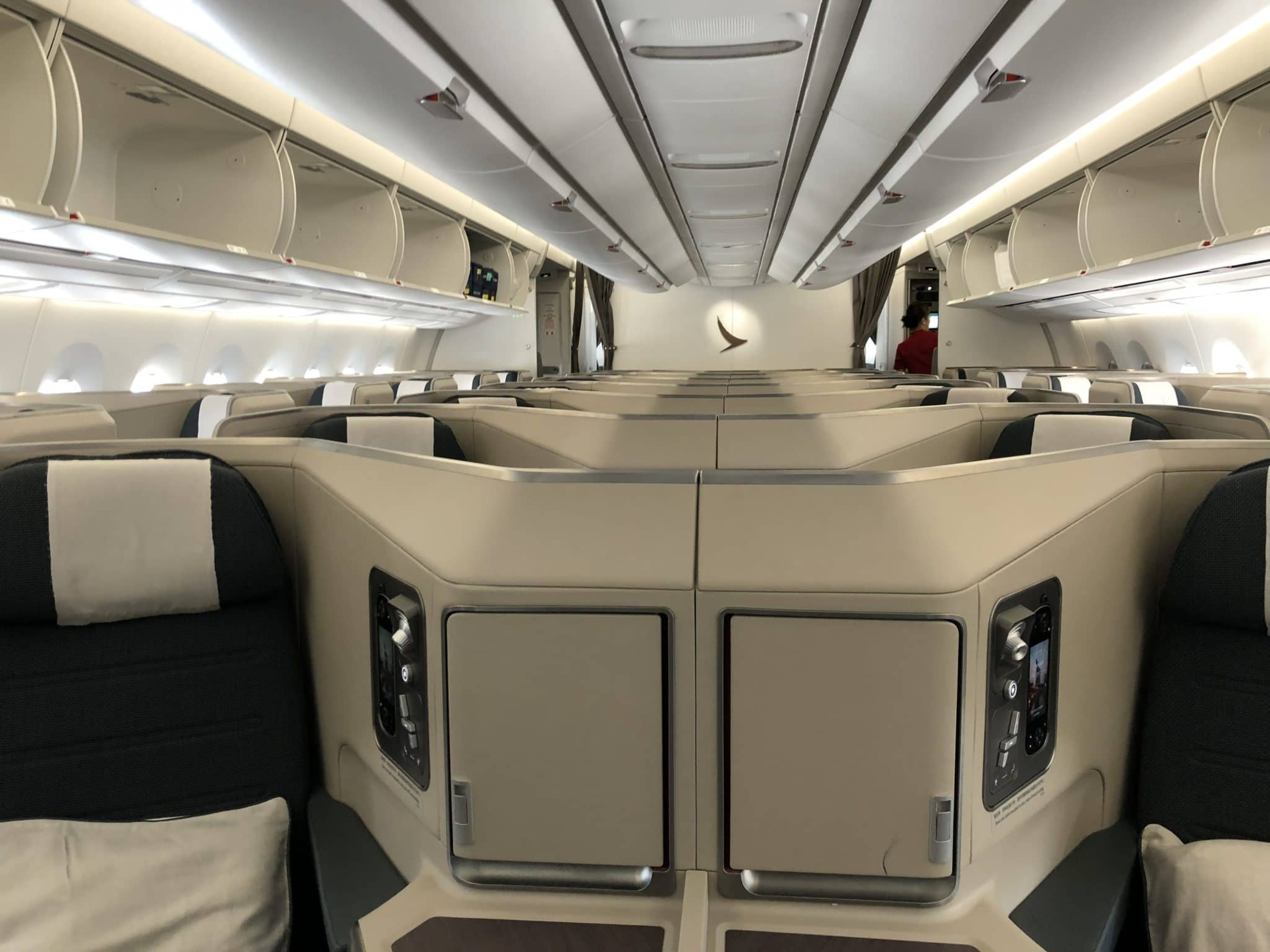 Cathay Pacific Business Class A350-1000 Vorderansicht-Kabine