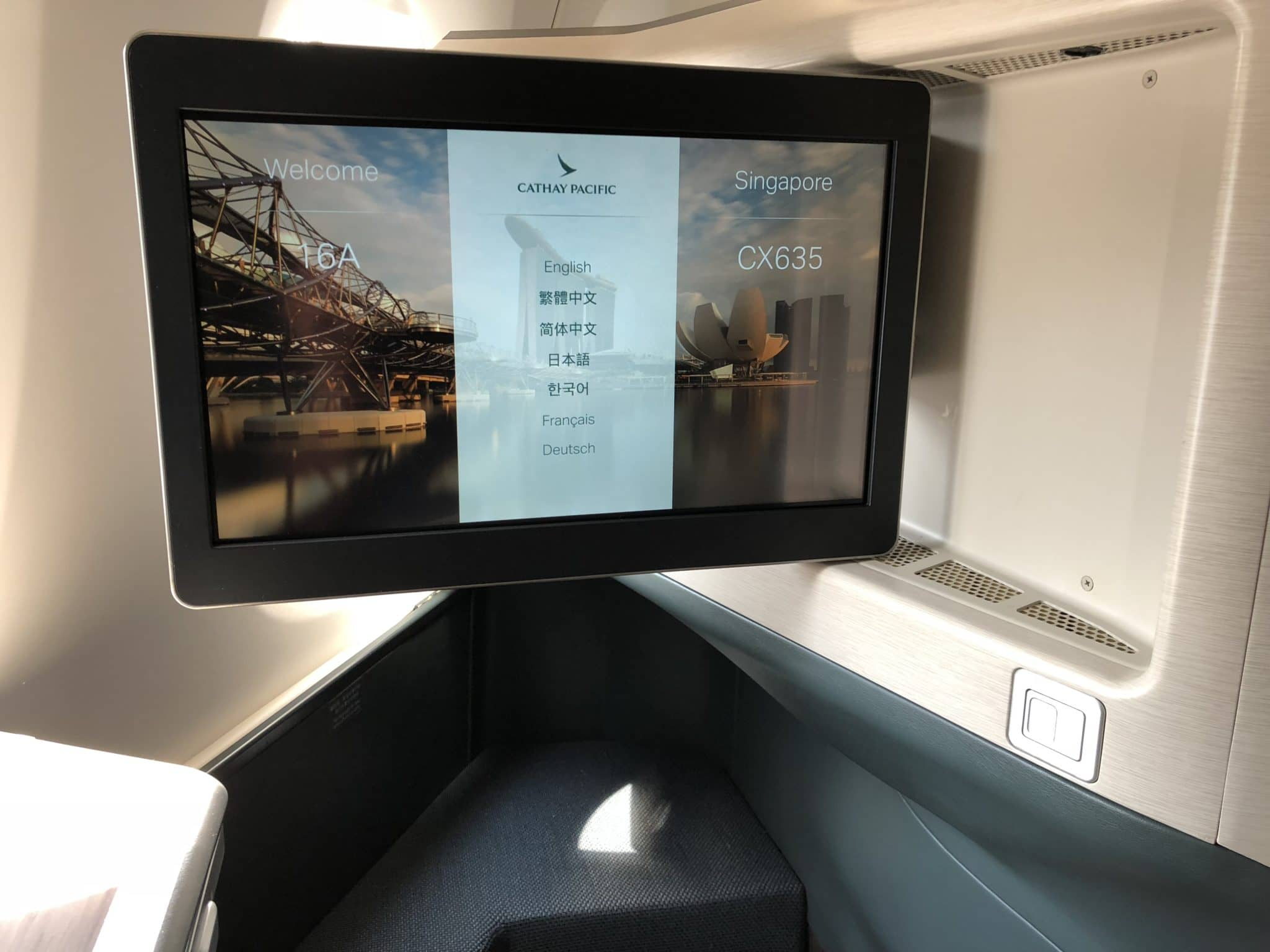 Cathay Pacific Business Class A350-1000 Menüsprache