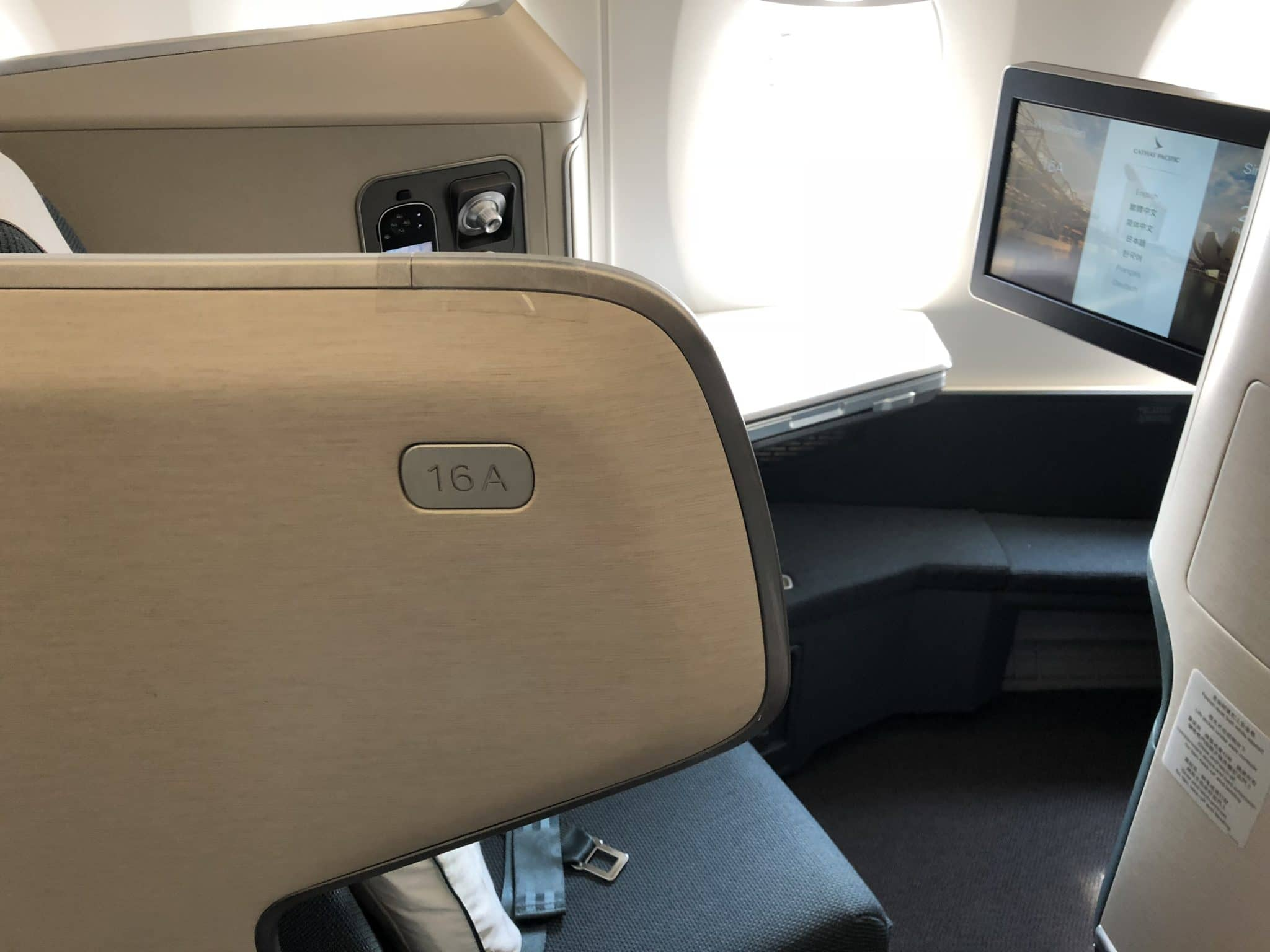 Cathay Pacific Business Class A350-1000 Sitz 16A