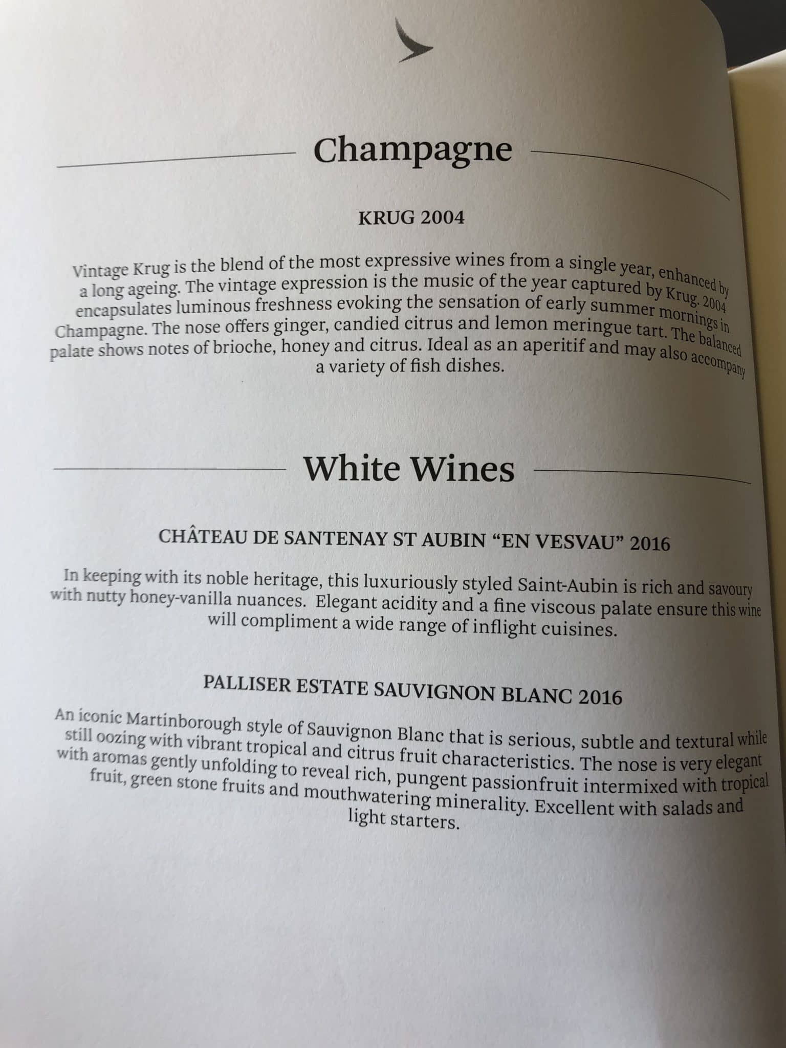 Cathay Pacific First Class Boeing 777-300 Champagner und Wein