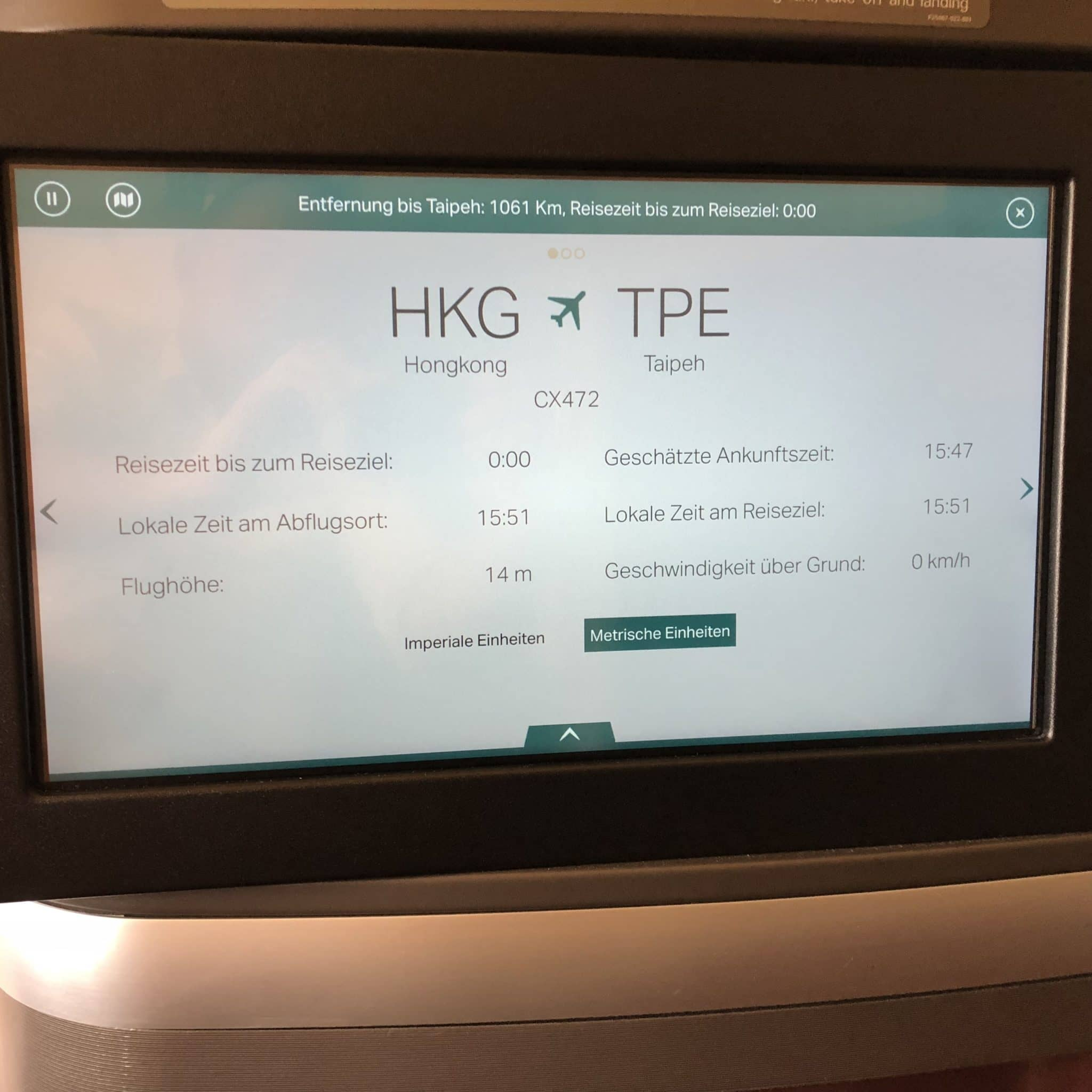 Cathay Pacific First Class Boeing 777-300 Routeninformation großer Bildschirm