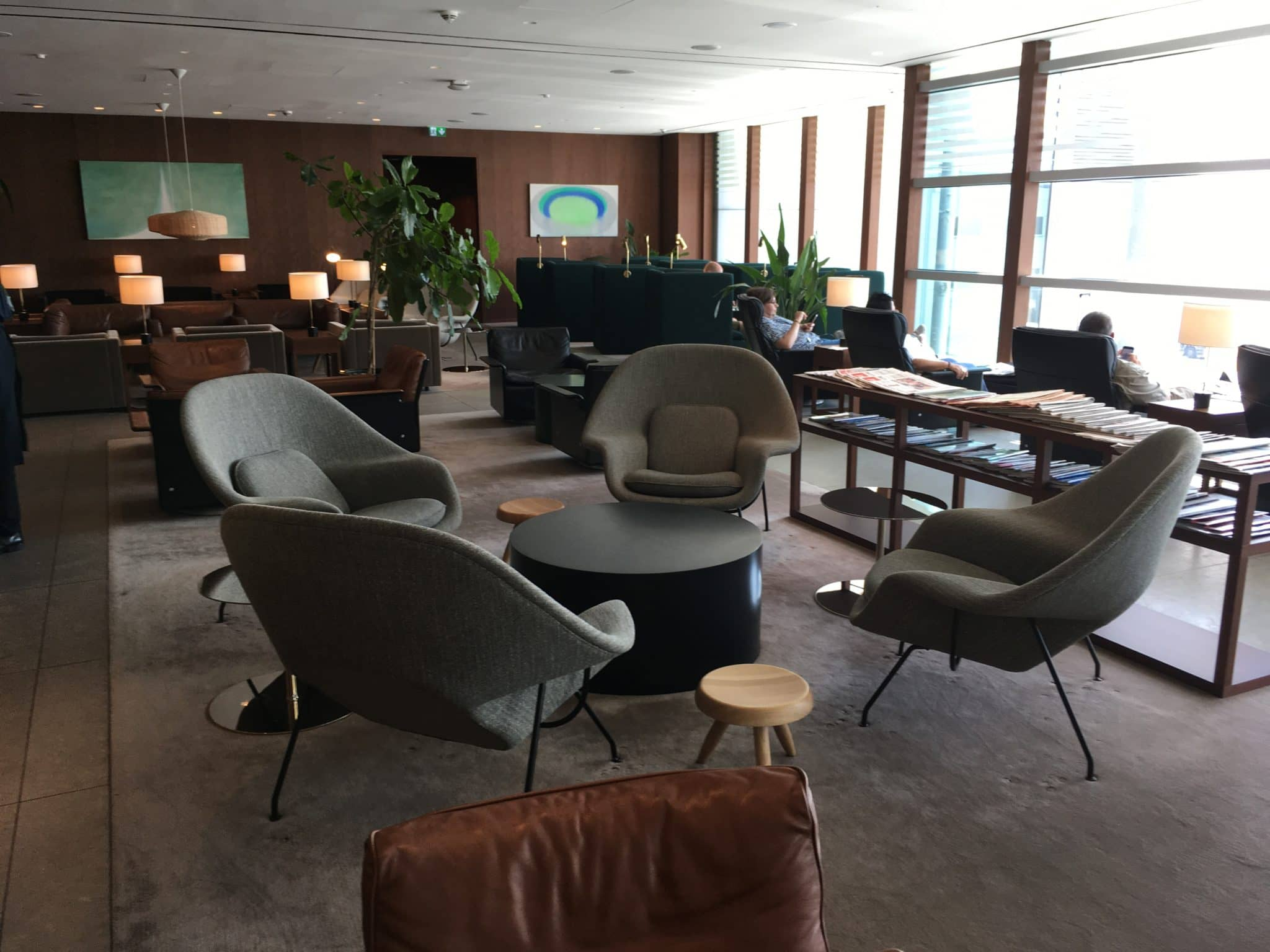 Cathay Pacific Business Class Lounge London Sessel 2