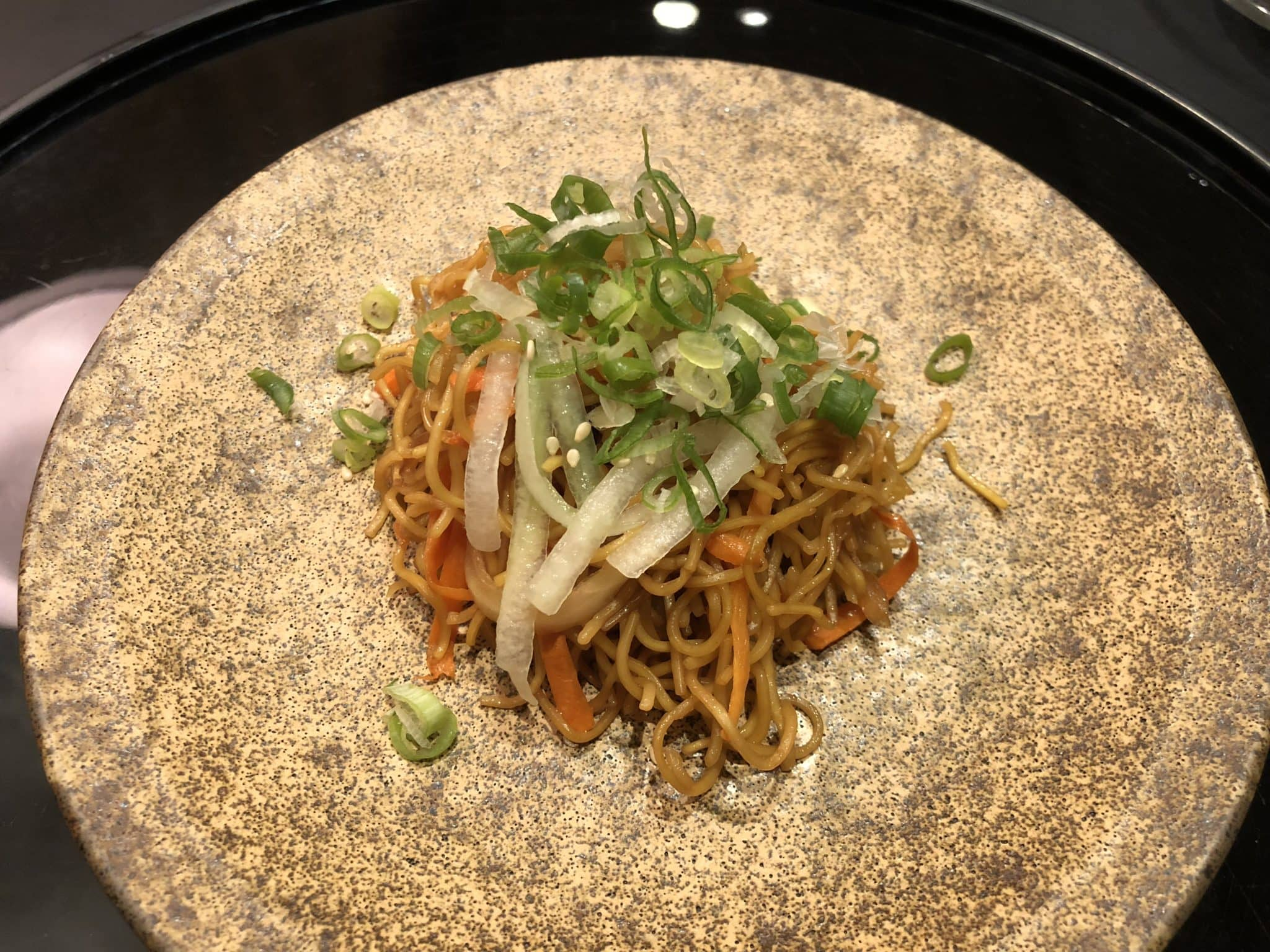 Cathay Pacific Business Class Lounge Taiwan-Taoyuan Fried Noodles