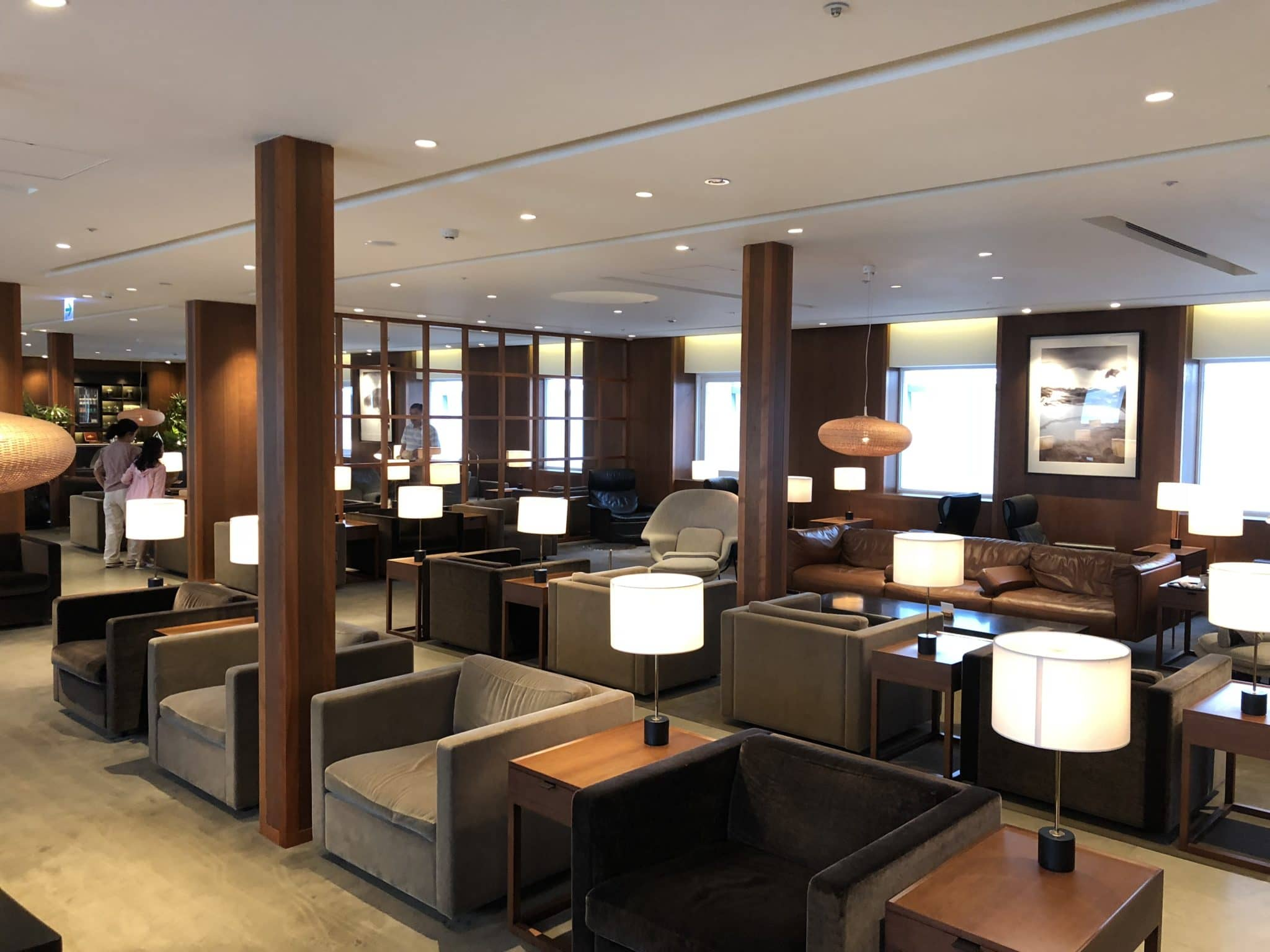 Cathay Pacific Business Class Lounge Taiwan-Taoyuan Blick in Hauptbereich
