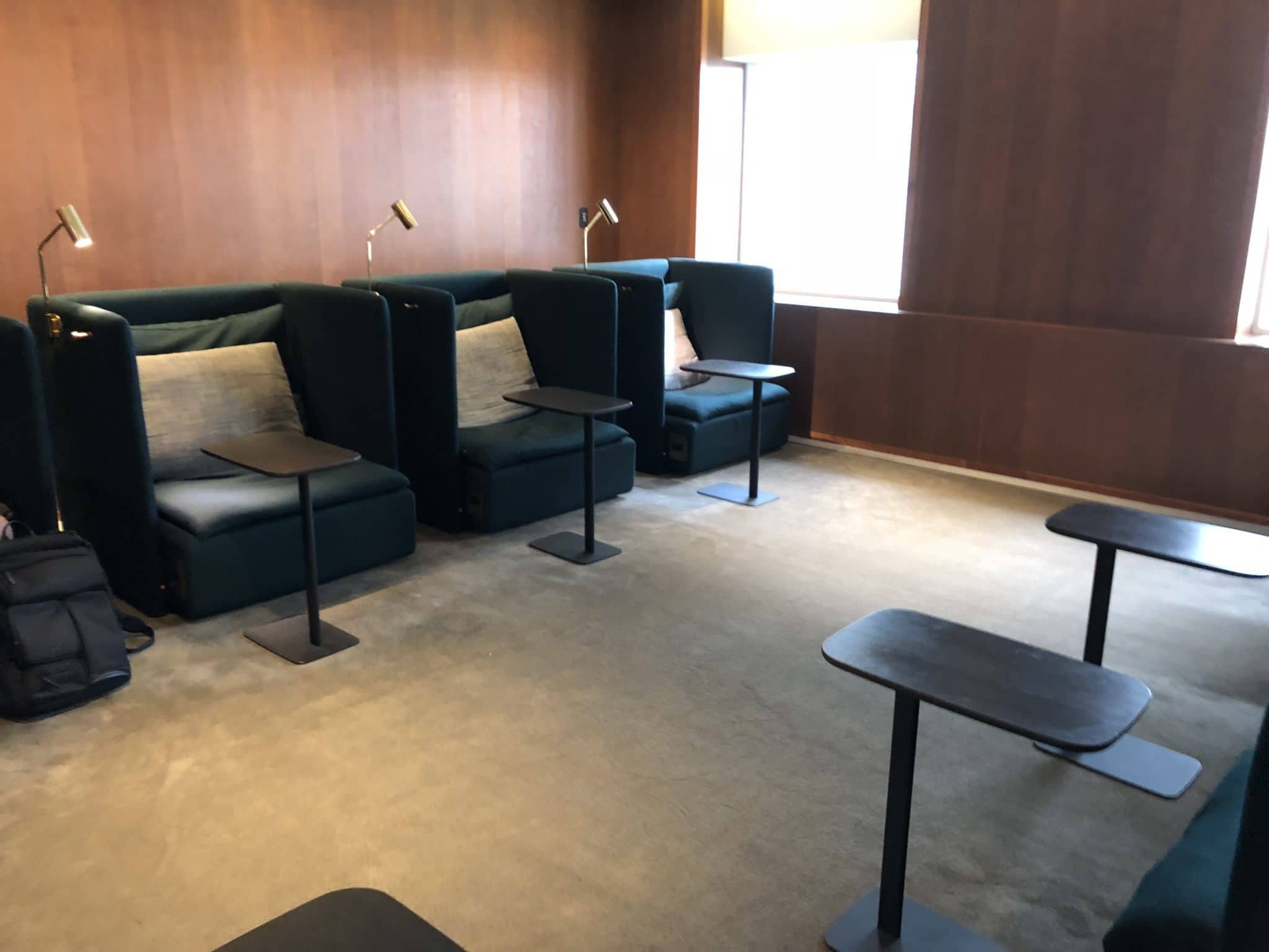 Cathay Pacific Business Class Lounge Taiwan-Taoyuan Sitzsessel