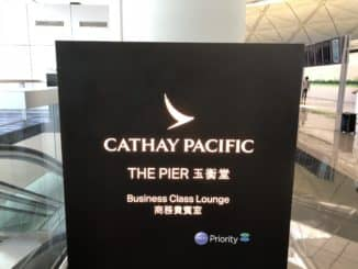 Cathay Pacific Business Class Lounge The Pier Lounge Schild