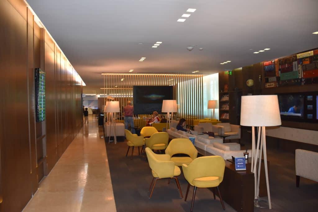 Blick in den vorderen Bereich der American Express Centurion Lounge Buenos Aires