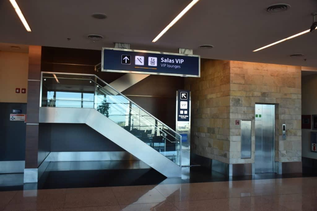 Hinweisschild zur American Express Centurion Lounge Buenos Aires