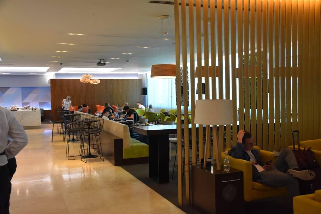 hinterer Bereich der American Express Centurion Lounge Buenos Aires