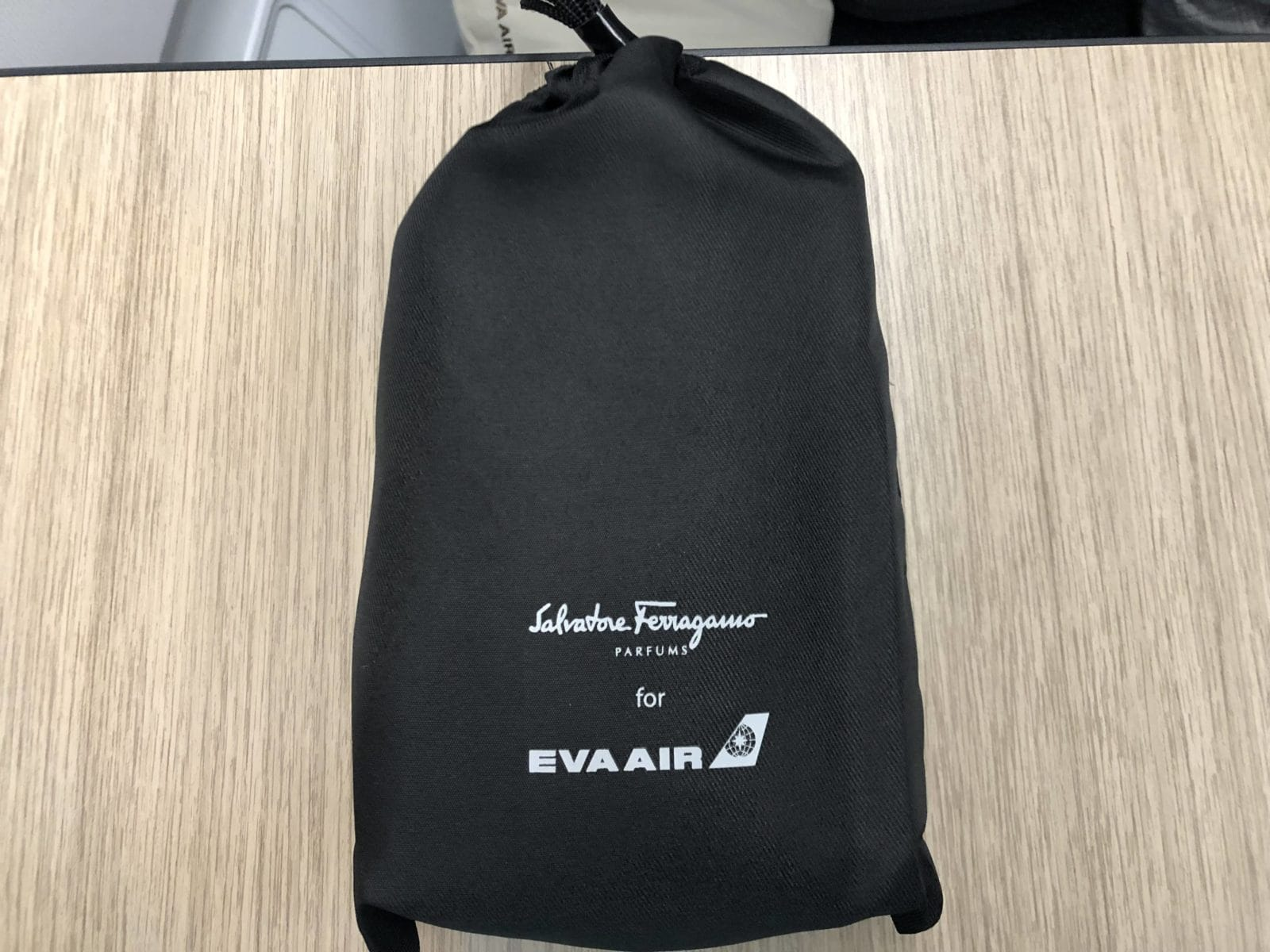 EVA Air Business Class A330-300 Amenity Kit eingepackt