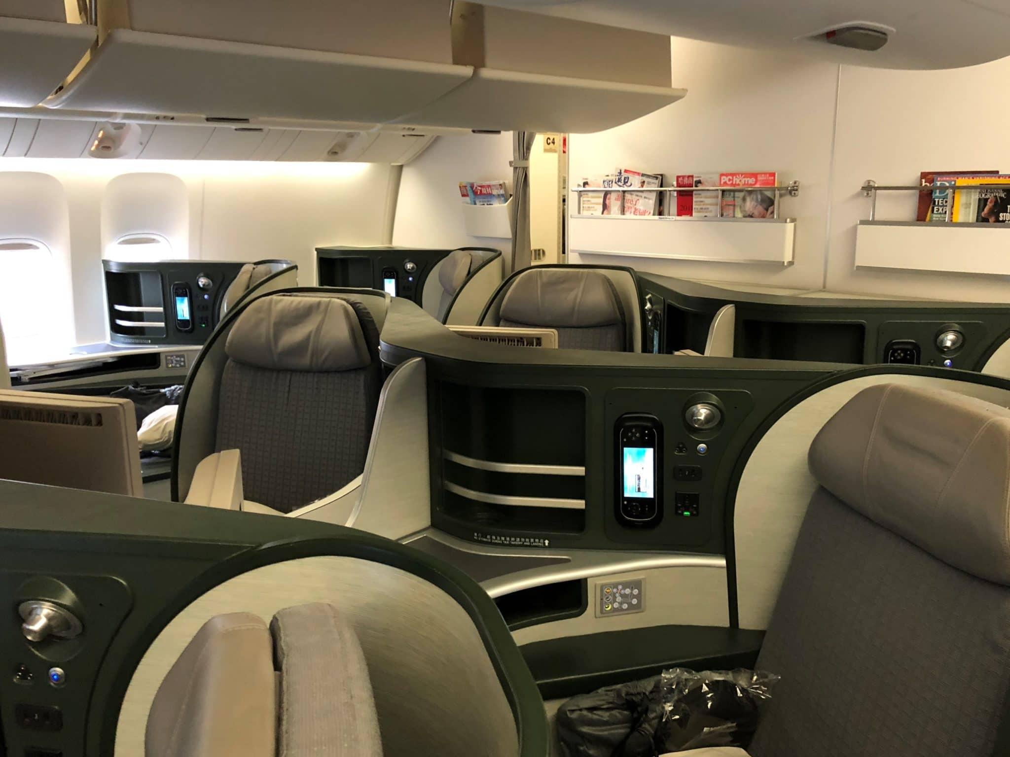 EVA Air Business Class Boeing 777-300 Kabinenansicht Hinflug