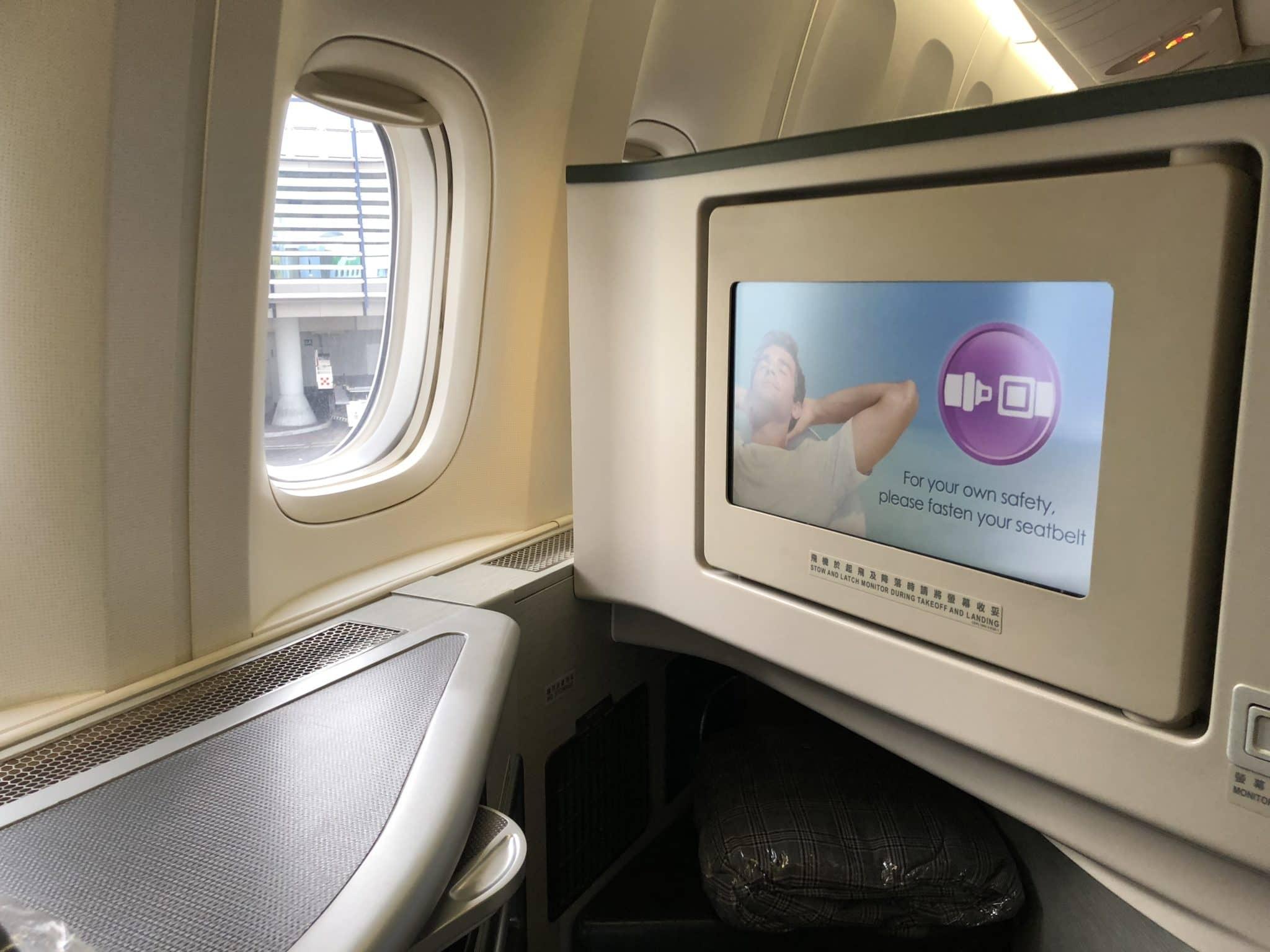 EVA Air Business Class Boeing 777-300 Monitor eingeklappt