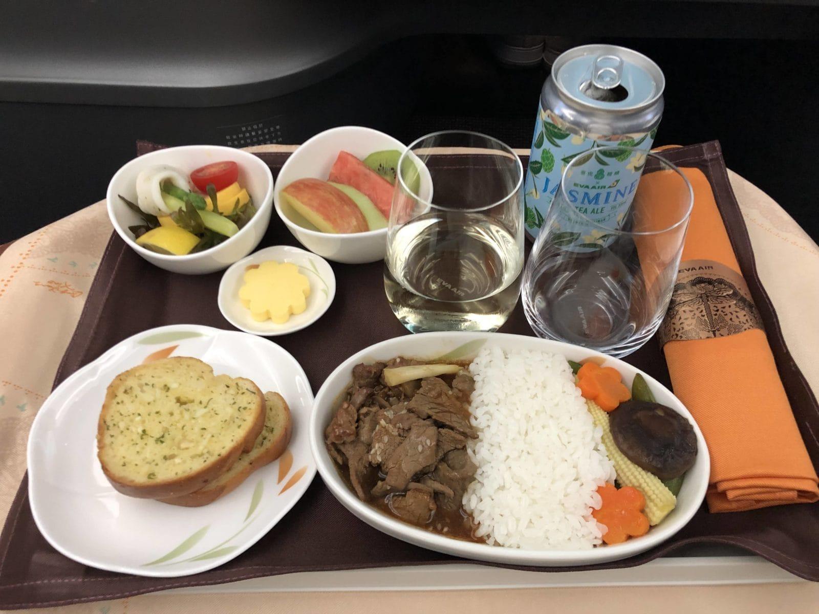 EVA Air neue Business Class 787-9 Beef Hauptgericht