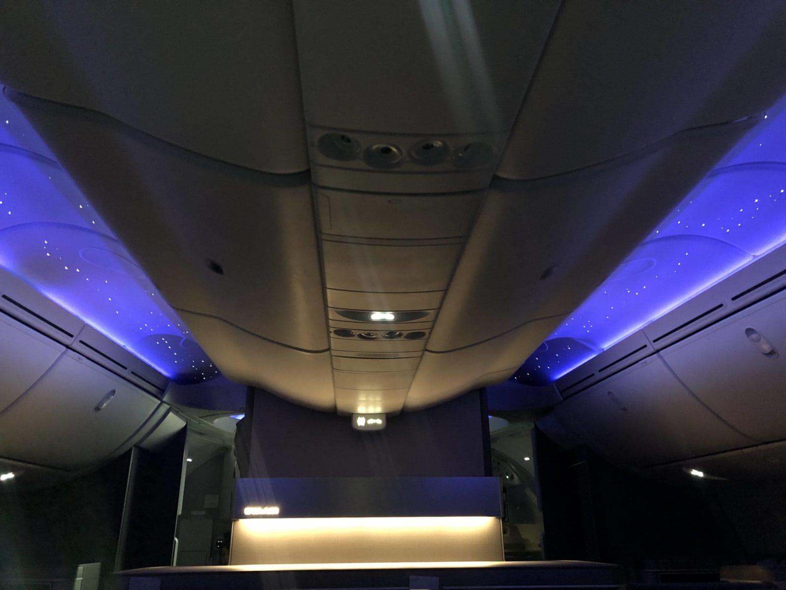 EVA Air neue Business Class 787-9 Nachtbeleuchtung Sterne