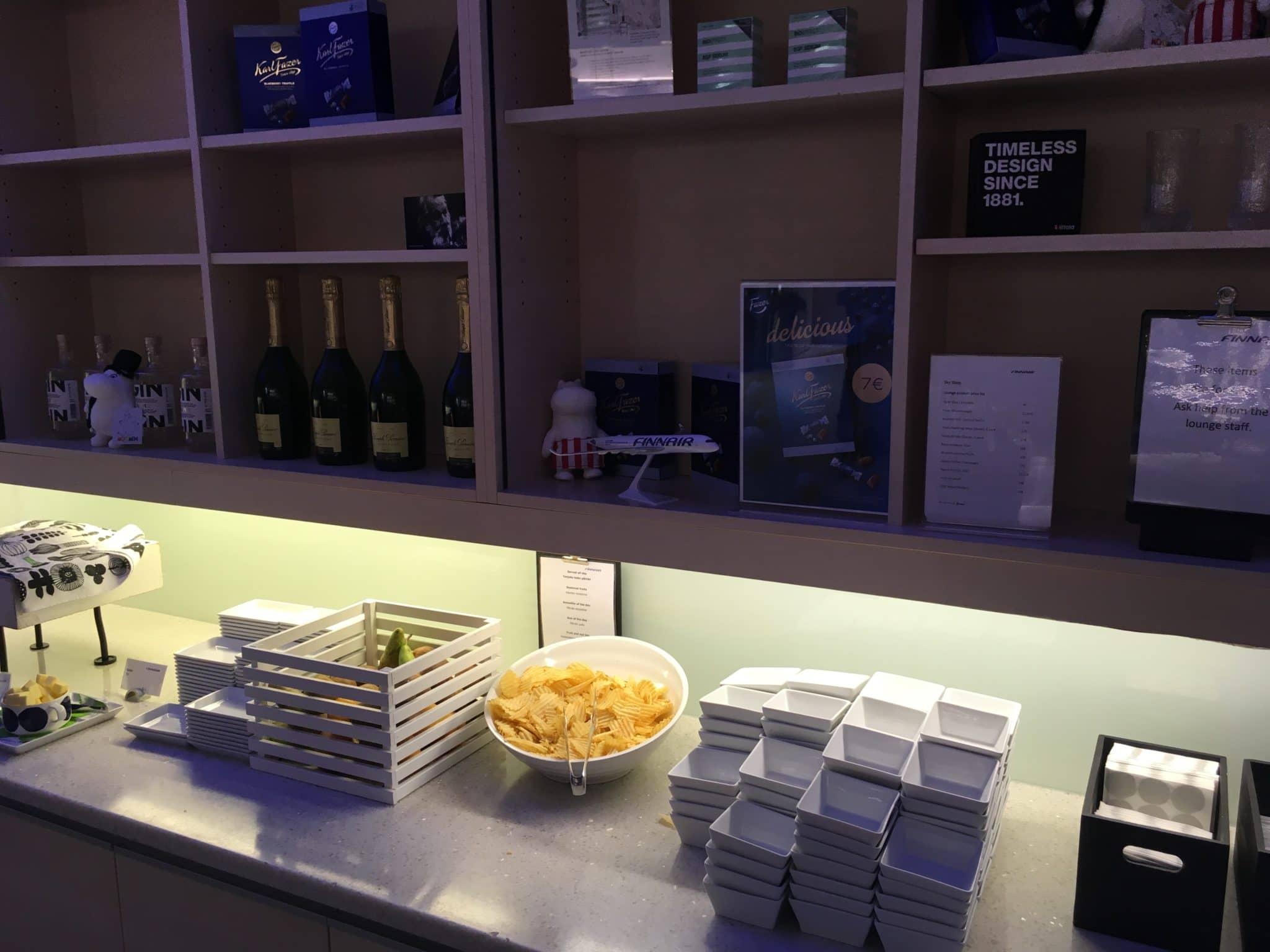 Finnair Lounge Helsinki Non-Schengen Snacks