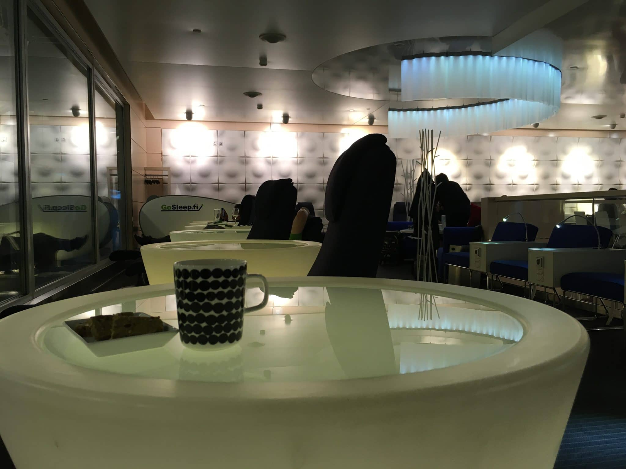 Finnair Lounge Helsinki Non-Schengen Entspannungssessel