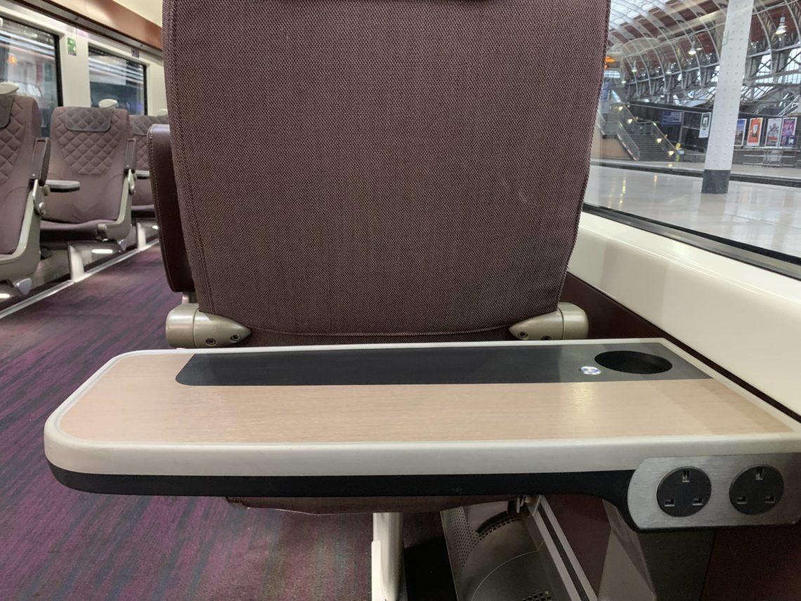Heathrow Express Business First Class Tisch