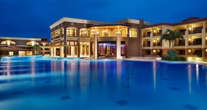 Eines von über 130 Hilton Kategorie 2 Hotels: Das Hilton Alexandria King Ranch © Hilton Hotels & Resorts
